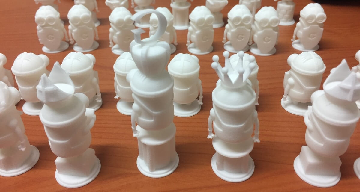 Chess pieces 3D printed with SLS